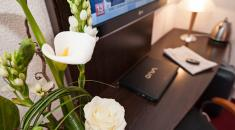 Hotel **** Kyriad Paradis | Old Port –  Desk in the room