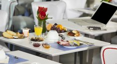 Kyriad Paradis Hotel  **** | The Calanques – The dining room