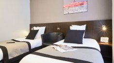 Kyriad Marseille chambre twinHotel **** Kyriad Paradis | Old Port –  The Classic rooms
